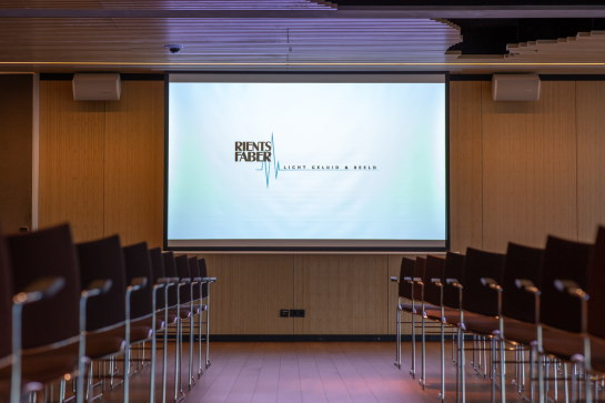 Presentatiescherm vergaderruimte