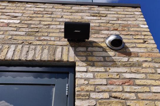 Geautomatiseerd audiovisueel systeem in huis